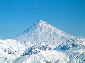 288px-Damavand_in_winter